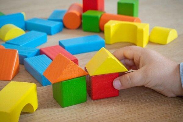 Como construir brinquedos de madeira para as crianças