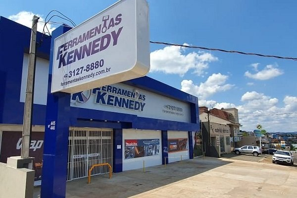 As lojas Ferramentas Kennedy estão abertas?