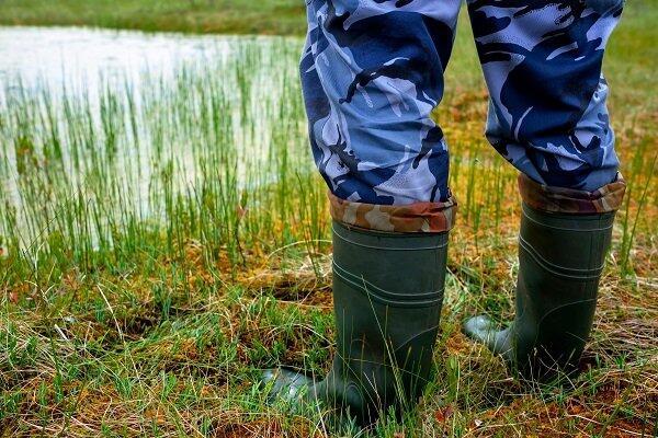 Qual a importância do uso de botas para proteção?